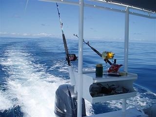 A deep sea fishng boat trolling - FishingInfo.co.za